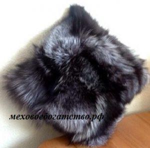 Подушка из меха лисицы серебристо-черной